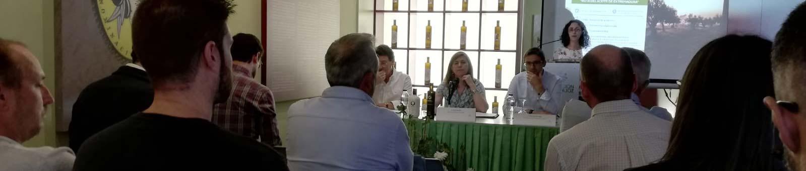 Presentación de la Ruta del Aceite de Oliva de Extremadura en Monterrubio de la Serena